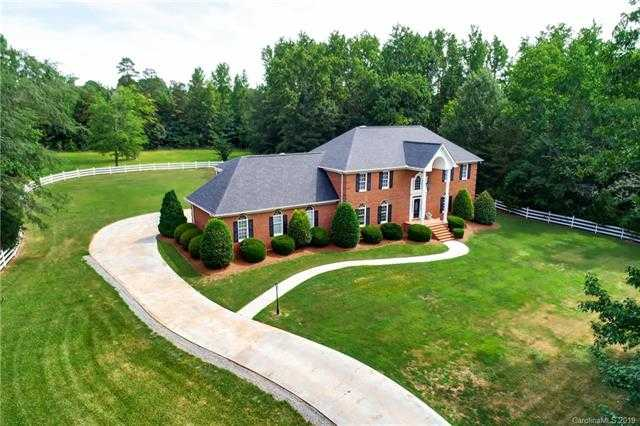 $679,900 - 3Br/4Ba -  for Sale in None, Mint Hill
