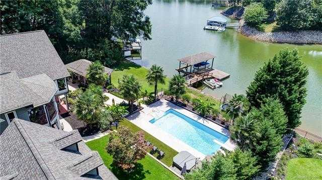 $949,000 - 3Br/5Ba -  for Sale in Lake Wylie, Lake Wylie