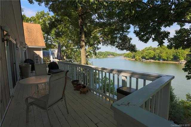 $699,000 - 4Br/4Ba -  for Sale in None, Tega Cay