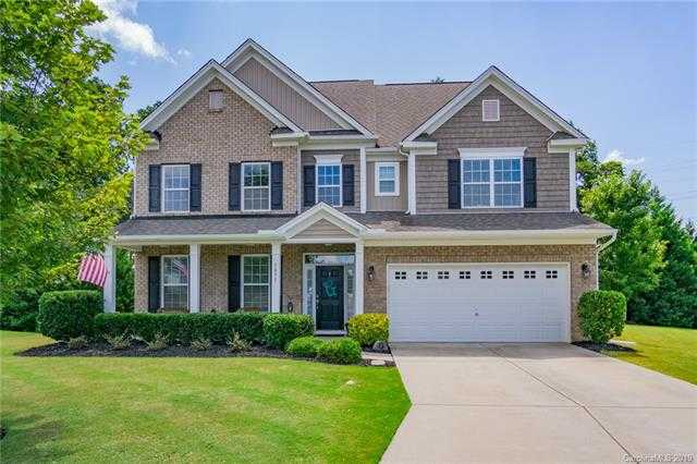 $465,000 - 6Br/4Ba -  for Sale in Lake Ridge, Tega Cay