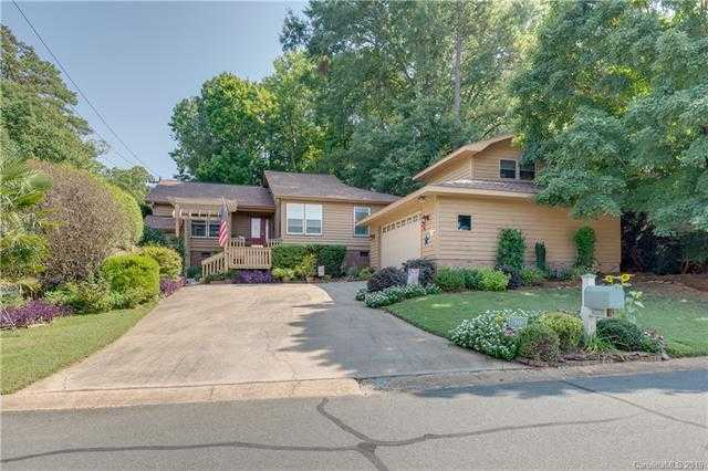 $357,300 - 3Br/2Ba -  for Sale in River Hills, Lake Wylie