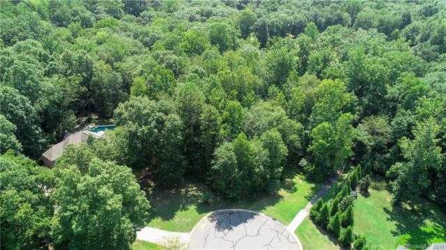 $69,100 - Br/Ba - for Sale in Patrick Place, Clover