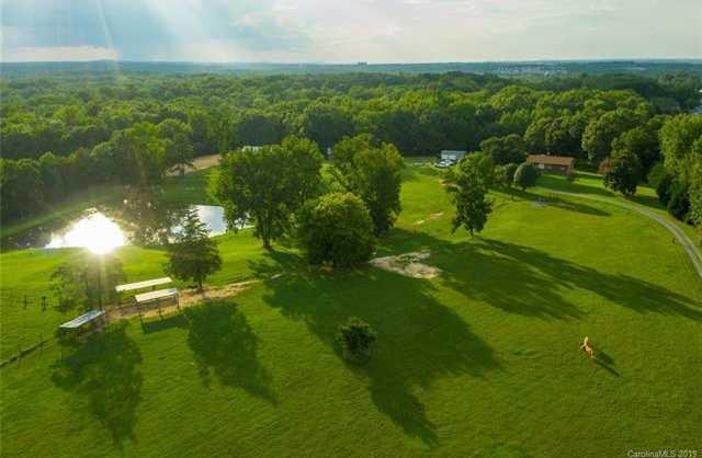$2,000,000 - 4Br/3Ba -  for Sale in Caroline Acres, Fort Mill