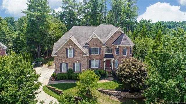 $519,900 - 4Br/4Ba -  for Sale in Lake Shore, Tega Cay