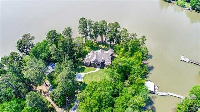 $925,000 - 3Br/4Ba -  for Sale in Lake Wylie, York