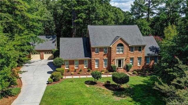 $525,000 - 6Br/6Ba -  for Sale in Farmwood, Mint Hill