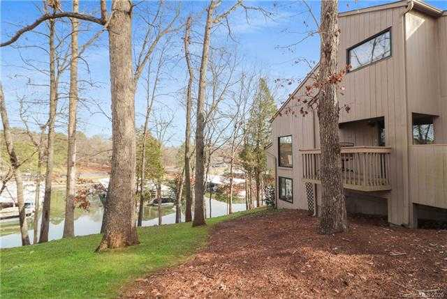 $300,000 - 4Br/3Ba - for Sale in River Hills, Lake Wylie
