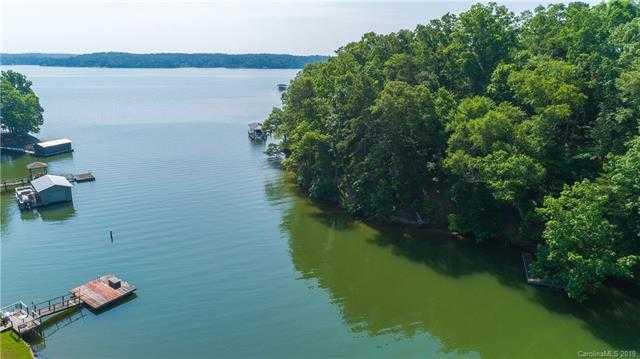 $325,000 - Br/Ba - for Sale in Kiowa Pointe, Lake Wylie