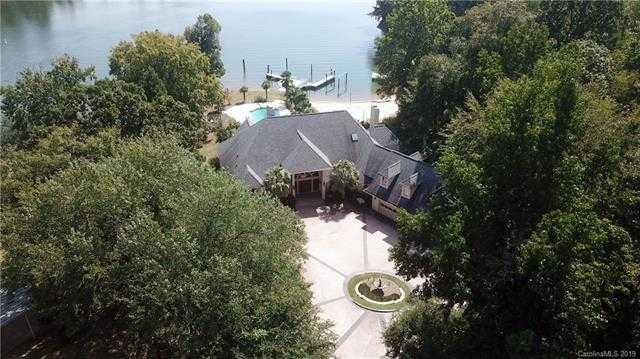 $939,900 - 4Br/5Ba - for Sale in River Hills Plantation, Lake Wylie