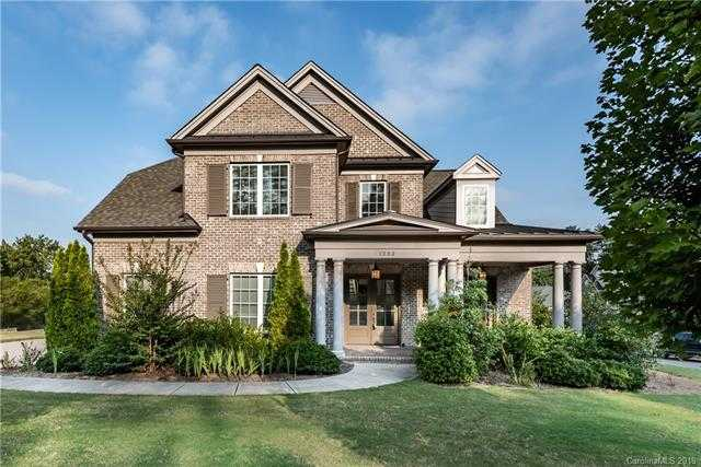 $614,900 - 5Br/4Ba -  for Sale in Serenity Point, Tega Cay