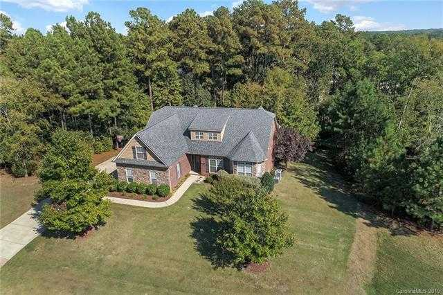 $600,000 - 6Br/5Ba - for Sale in Heron Cove, Lake Wylie
