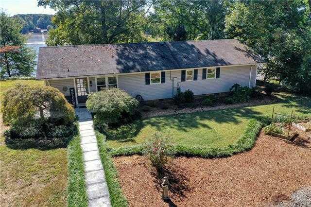$475,000 - 3Br/2Ba -  for Sale in Lake Wylie, Belmont