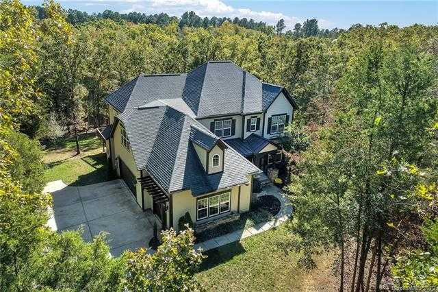 $635,000 - 4Br/4Ba - for Sale in Heron Cove, Lake Wylie