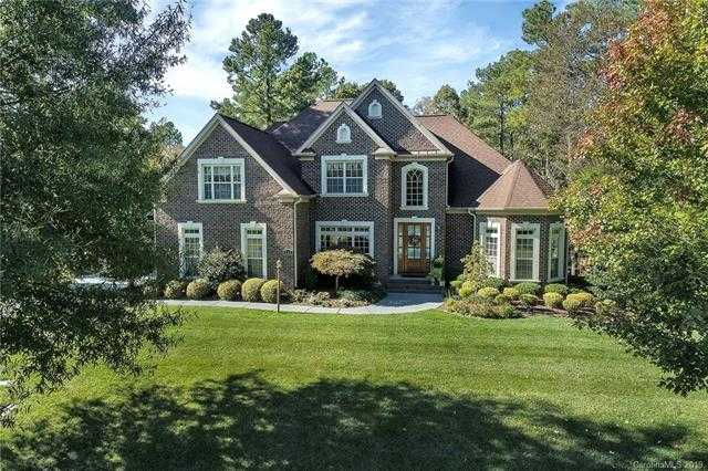 $550,000 - 5Br/3Ba - for Sale in Heron Cove, Lake Wylie