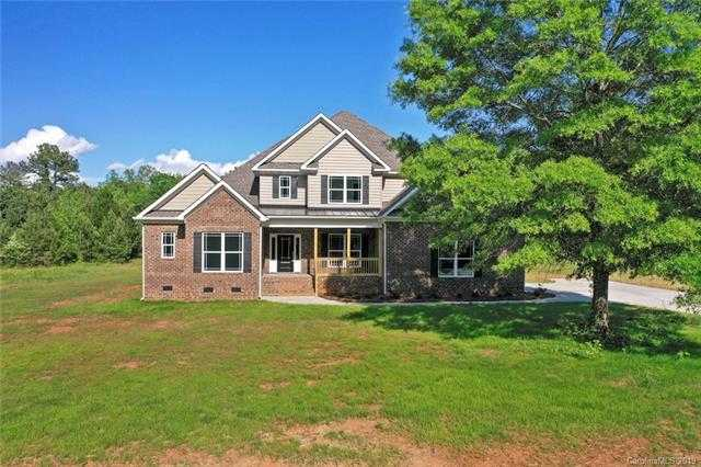 $549,900 - 4Br/3Ba - for Sale in Brookshire Woods, Clover