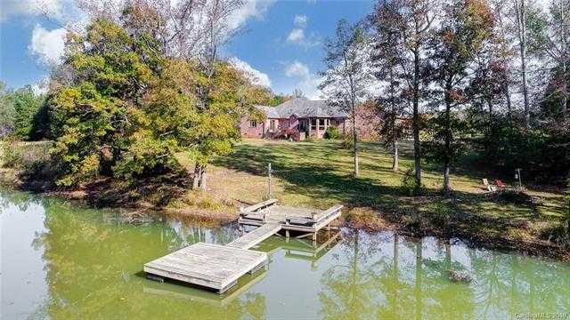 $799,999 - 3Br/3Ba - for Sale in Country Acres, Clover