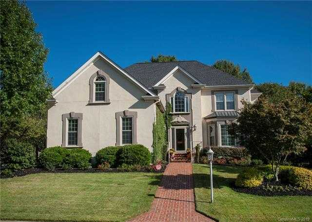 $649,900 - 4Br/4Ba - for Sale in Beacon Knoll, Fort Mill