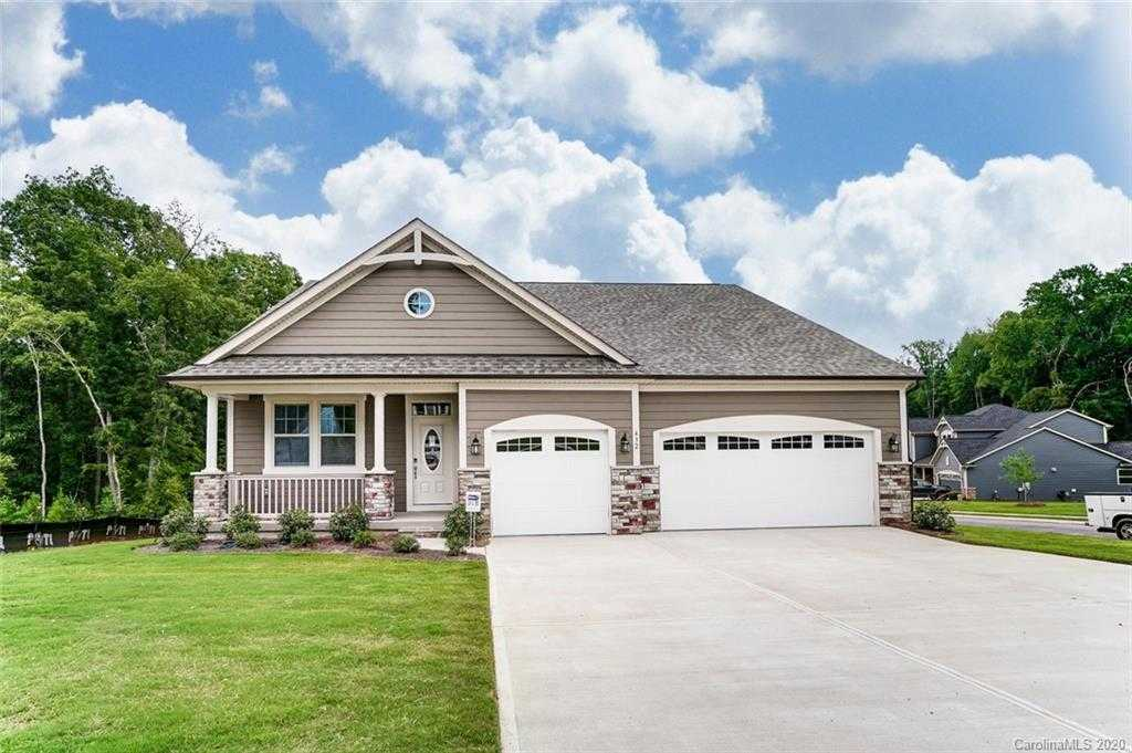 $411,675 - 4Br/4Ba -  for Sale in Lake Crest, Lake Wylie