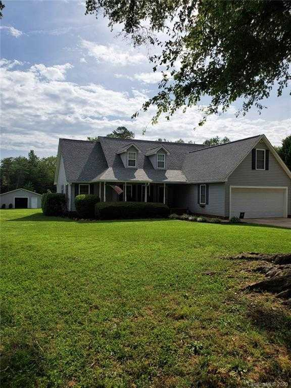 $489,000 - 3Br/2Ba -  for Sale in None, Clover