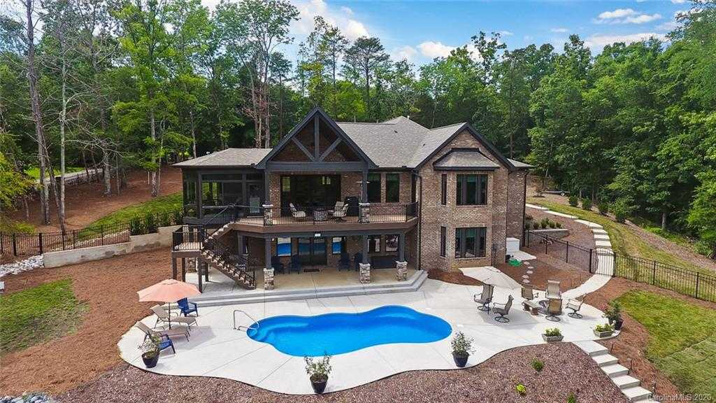 $1,224,000 - 3Br/3Ba - for Sale in Lake Wylie, Charlotte