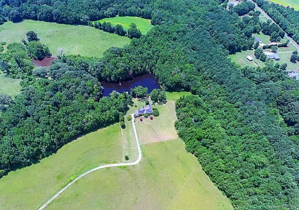 $799,900 - 3Br/3Ba -  for Sale in Country Acres, Clover