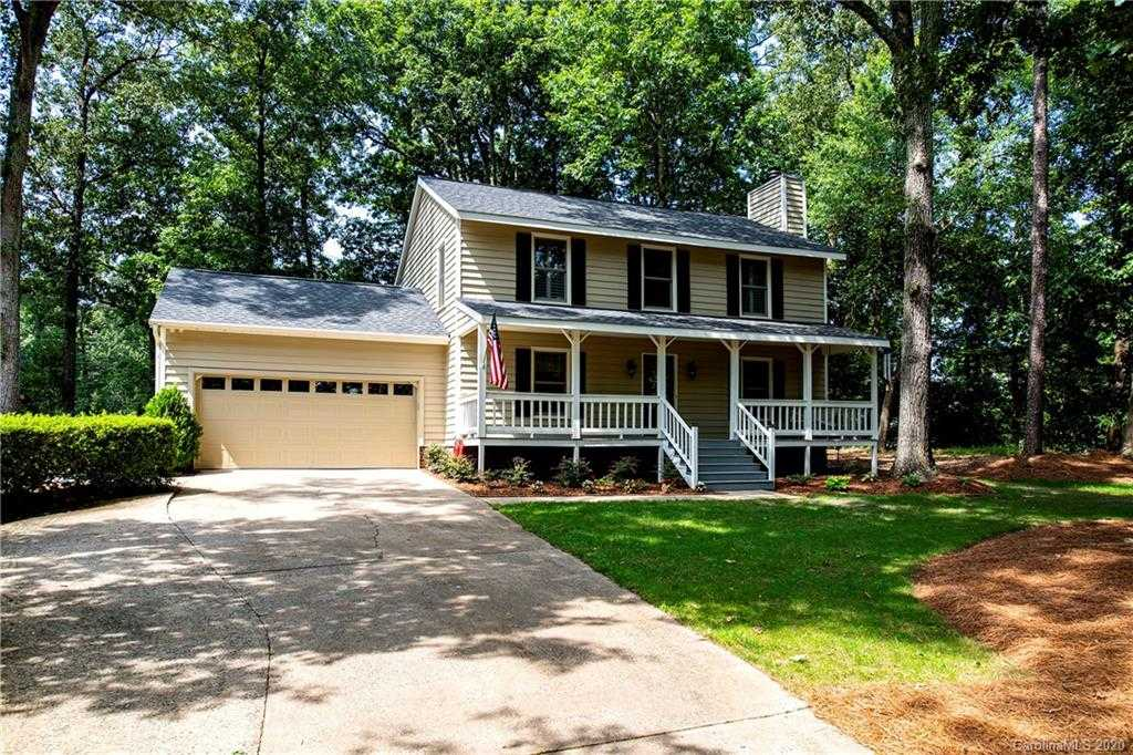 $475,000 - 4Br/4Ba -  for Sale in River Hills, Lake Wylie