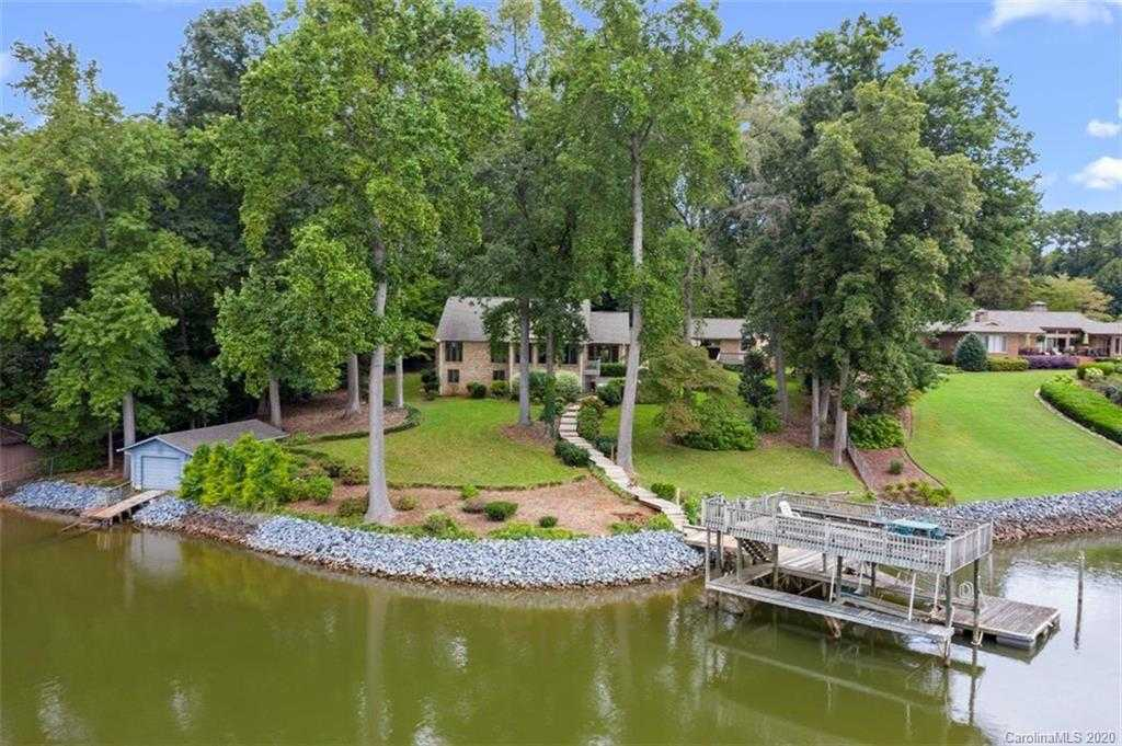 $1,125,000 - 4Br/4Ba -  for Sale in None, Lake Wylie