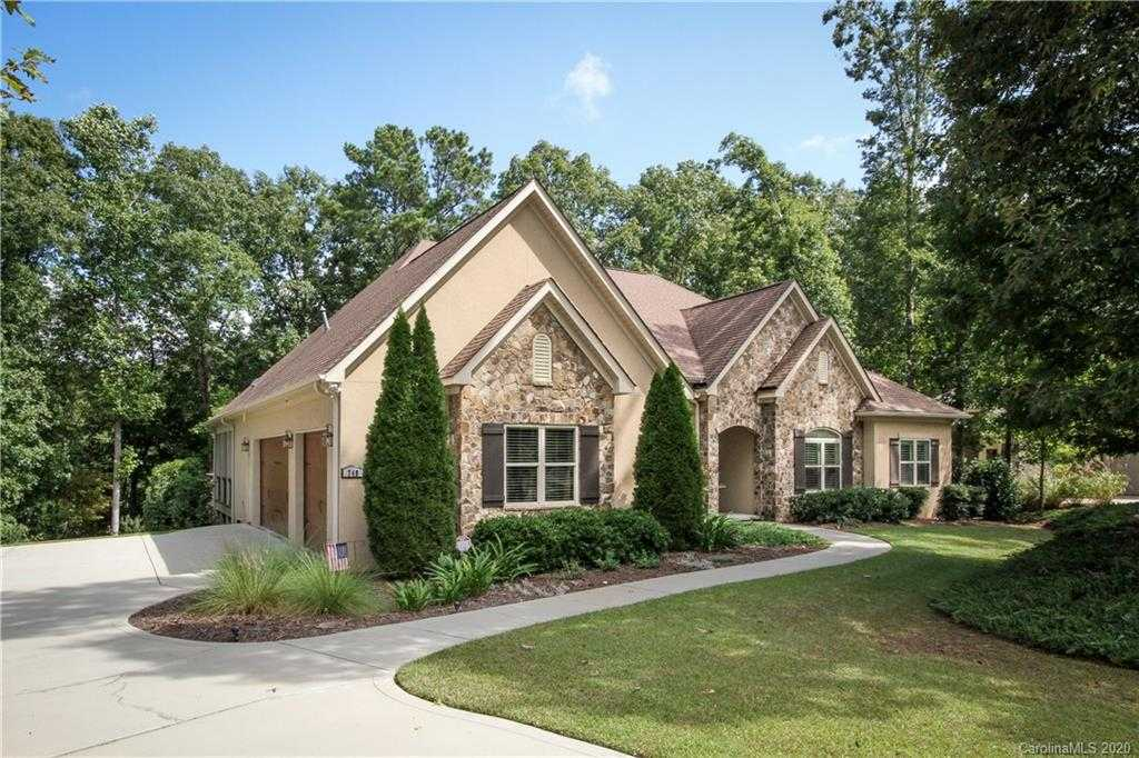 $650,000 - 4Br/4Ba -  for Sale in Heron Cove, Lake Wylie
