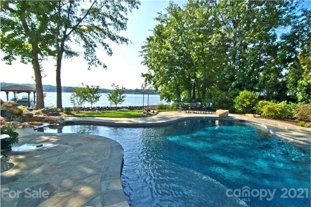 $3,149,000 - 5Br/7Ba -  for Sale in River Hills, Clover