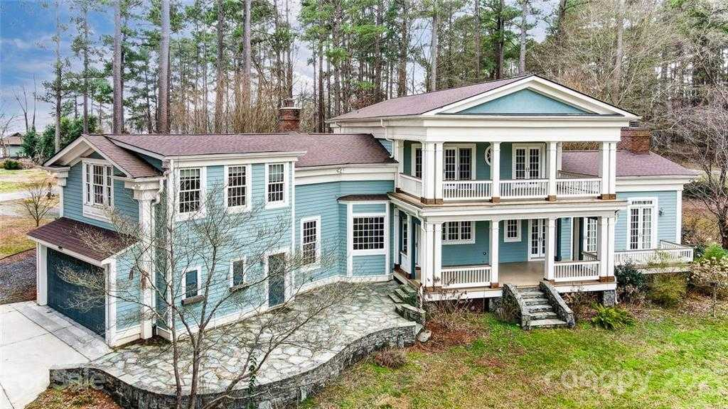 $1,225,000 - 3Br/4Ba -  for Sale in None, Lake Wylie