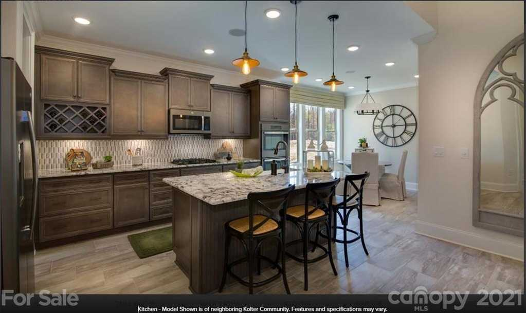 $768,580 - 4Br/5Ba -  for Sale in Handsmill On Lake Wylie, York