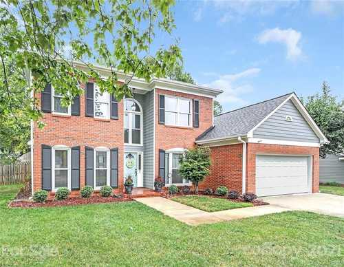 $420,000 - 4Br/3Ba -  for Sale in Touchstone, Charlotte