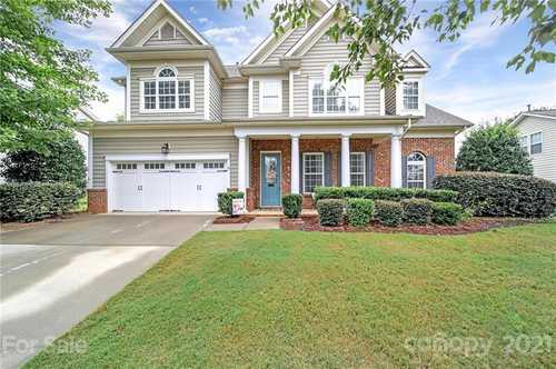$525,000 - 4Br/4Ba -  for Sale in Reserve At Gold Hill, Fort Mill