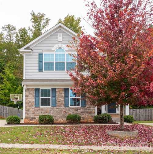 $320,000 - 3Br/3Ba -  for Sale in Sweetwater Plantation, Rock Hill