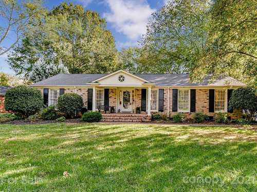 $650,000 - 3Br/2Ba -  for Sale in Fairmeadows, Charlotte