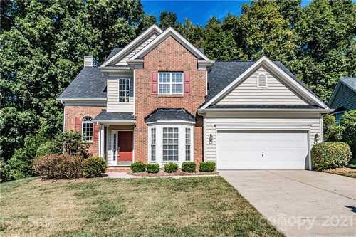 $365,000 - 4Br/3Ba -  for Sale in Providence Glen, Charlotte