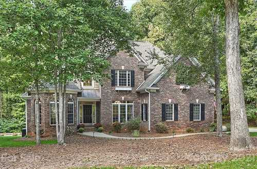 $699,900 - 4Br/3Ba -  for Sale in Shavenders Bluff, Mooresville