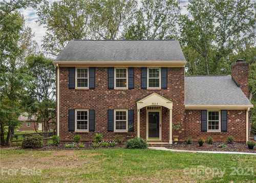 $398,000 - 3Br/3Ba -  for Sale in Providence West, Charlotte