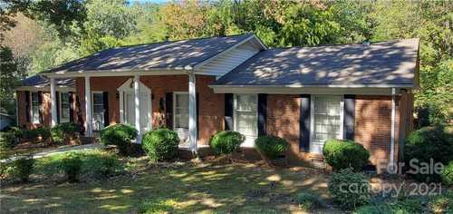 $585,000 - 4Br/3Ba -  for Sale in Old Salem, Charlotte