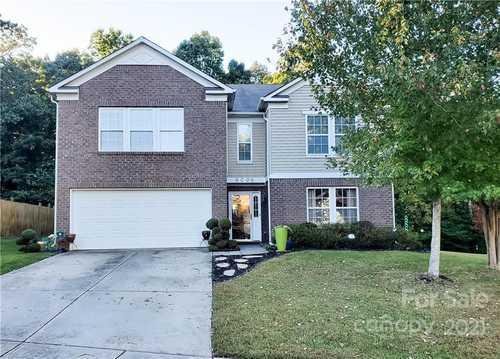 $425,000 - 6Br/3Ba -  for Sale in Kingstree, Charlotte
