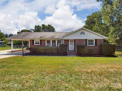 $229,000 - 3Br/2Ba -  for Sale in None, Charlotte