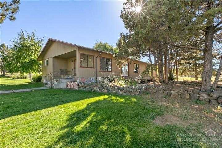 $540,000 - 3Br/3Ba -  for Sale in Bend