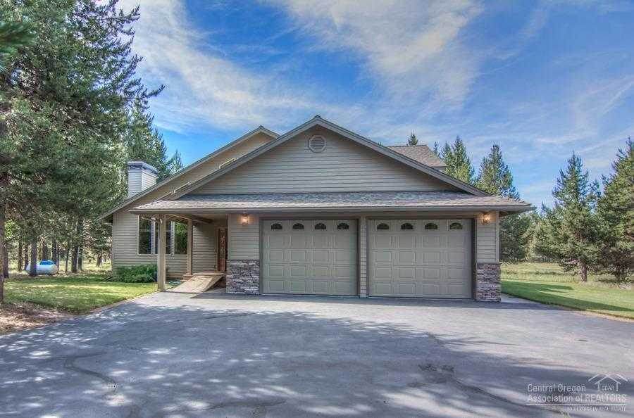 $549,000 - 3Br/3Ba -  for Sale in La Pine