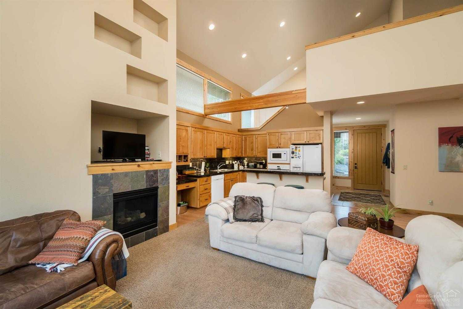 $527,000 - 3Br/3Ba -  for Sale in Bend