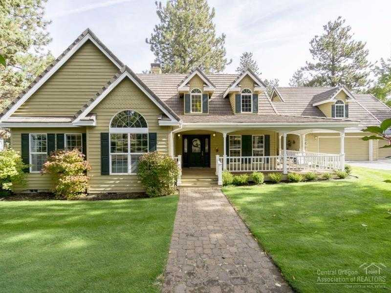 $519,500 - 3Br/3Ba -  for Sale in Bend
