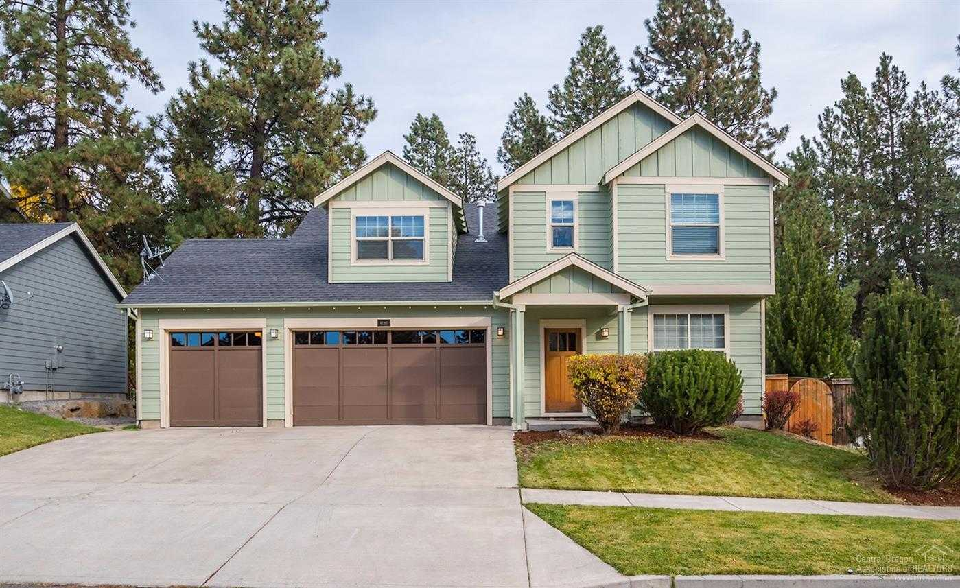 $500,000 - 4Br/3Ba -  for Sale in Bend