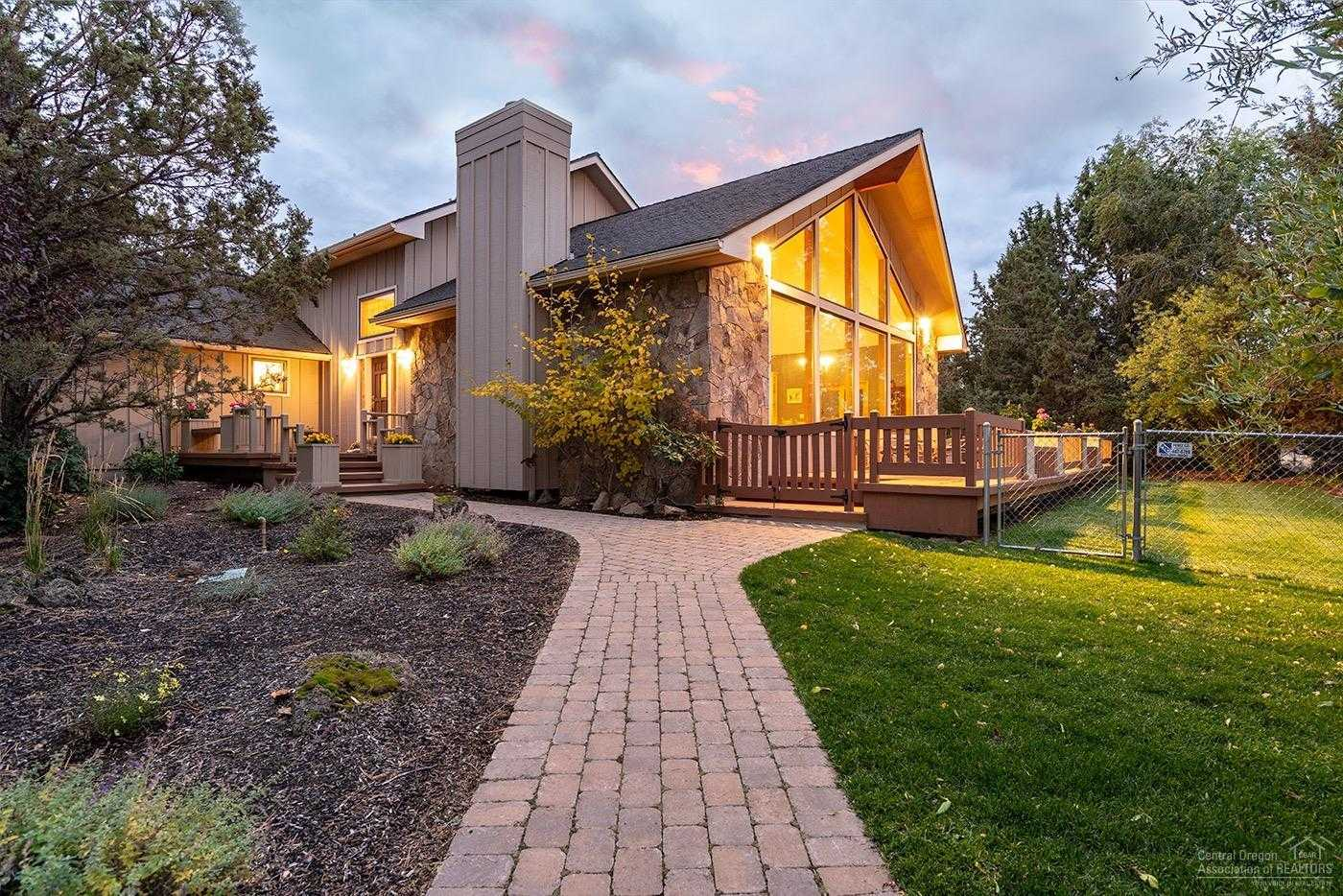 $1,499,000 - 4Br/3Ba -  for Sale in Bend