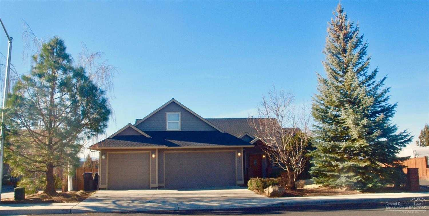 $439,900 - 4Br/2Ba -  for Sale in Redmond