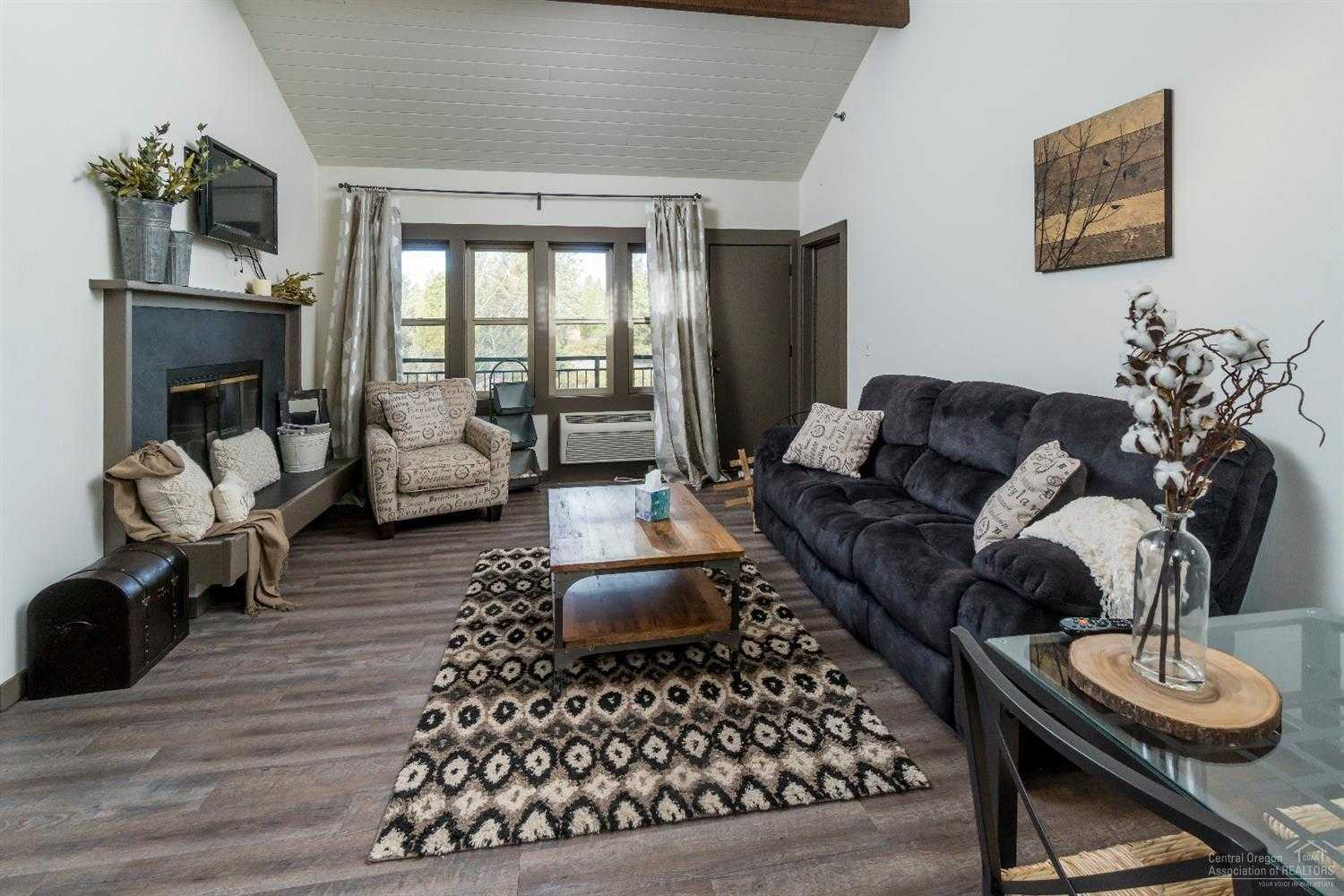 $200,000 - 2Br/3Ba -  for Sale in Bend