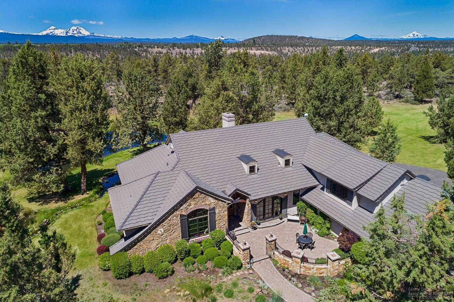 $1,795,000 - 3Br/3Ba -  for Sale in Bend